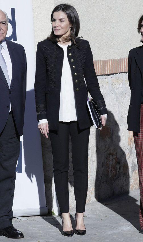 Doña Letizia cumple su propósito de estilo: de Zara por año