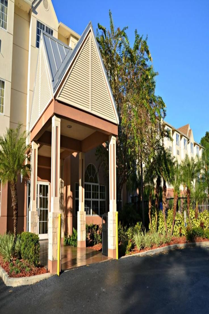 The Floridian Hotel And Suites Is A 7 Minutes Drive From