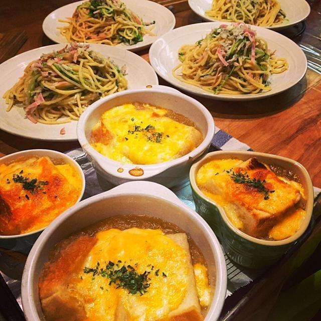 朝から一時間半かけて玉ねぎ炒めた(^^) 玉ねぎの甘さ、美味しい〜! - 72件のもぐもぐ - 10.8晩御飯、オニオングラタンスープとしらすとハム、豆苗のペペロンチーノ by kokohimayuto