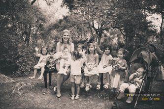 Όλα τα ξαδελφάκια μαζί!  Η βάπτιση της μικρής Εβελίνας.  Ιερός Ναός Αγίας Φιλοθέης, Φιλοθέη.   221 wedding and baptism photography #φωτογραφια #βαπτισης #baptismphotographygreece