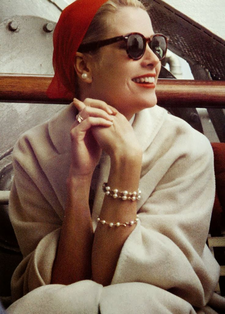 Grace Kelly et son béret rouge