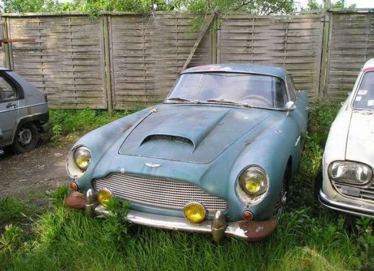 17 photos of abandoned classic cars that will make any car lover cry rust in piece odometer. Black Bedroom Furniture Sets. Home Design Ideas