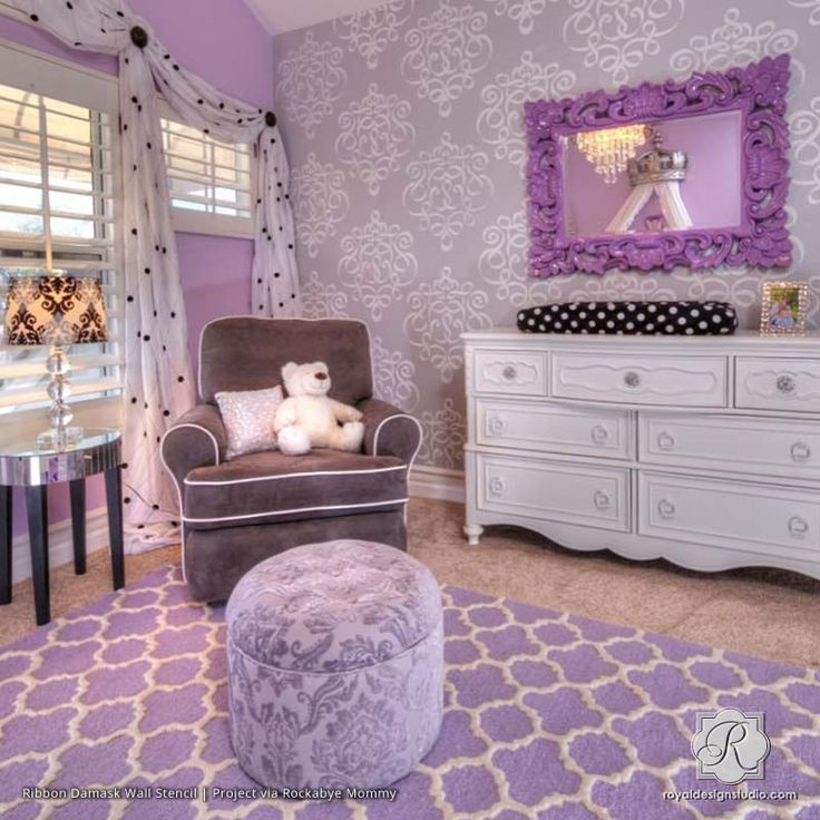 Did a similar pattern 6 years ago. But was a paisley pattern and smaller. Great idea for Anna bed wall
