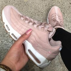 Sneakers women - Nike Air max 95 premium pink (©naomi_gozi) http://feedproxy.google.com/fashionshoes11