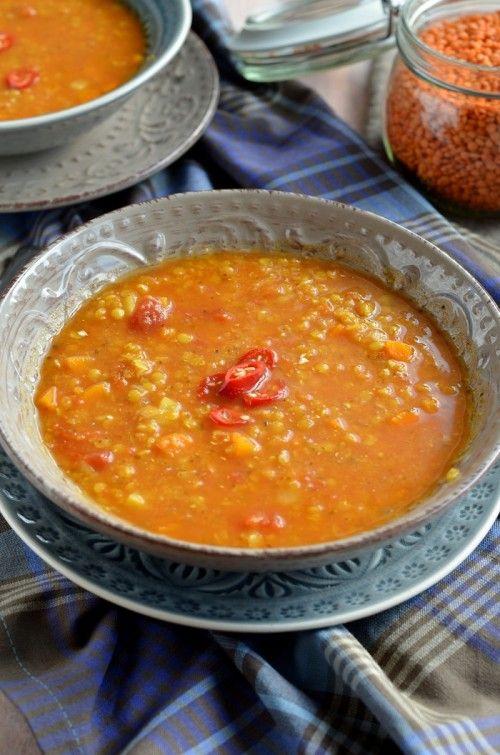 Pikáns, paradicsomos vöröslencse-leves recept
