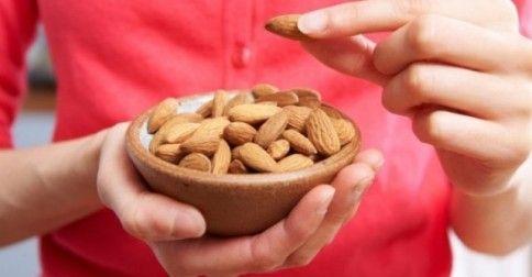 #Υγεία #Διατροφή Αμύγδαλα: Τα απίστευτα οφέλη τους για την υγεία παιδιών και ενηλίκων ΔΕΙΤΕ ΕΔΩ: http://biologikaorganikaproionta.com/health/214080/