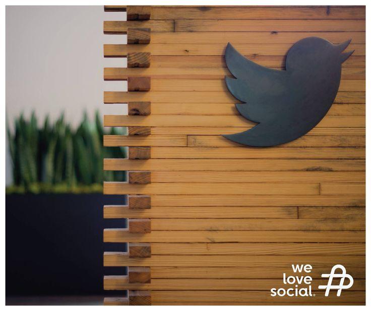 O Twitter quer melhorar o interface de conteúdo para os utilizadores. O sistema, que está a agora em fase de testes, é similar ao algoritmo do Facebook, no qual a ordem de publicações não está relacionada com a ordem cronológica, mas sim com uma série de variáveis que determinam o potencial de interesse por parte do utilizador.