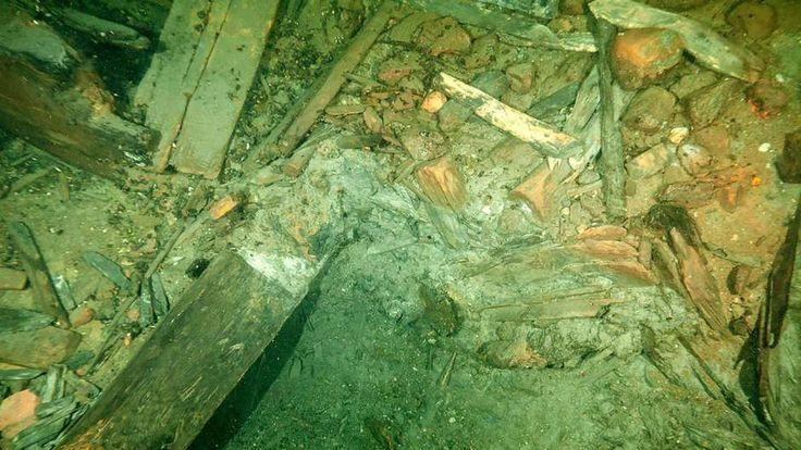 """Los restos de """"Kronan"""" en el fondo del mar Báltico de la costa sur sueca- En este buque de 1676, hallaron diamantes, monedasy…."""