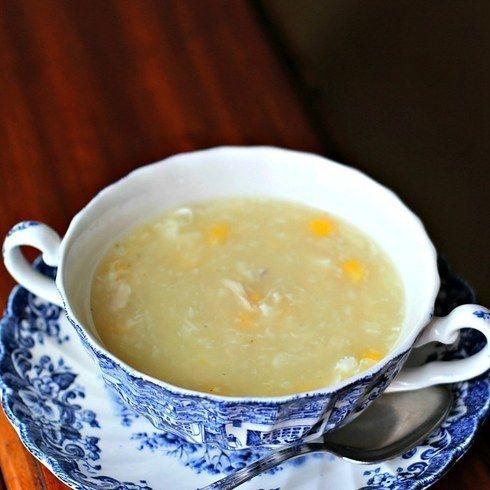 Un calientita sopa de maíz y pollo, para el alma.   16 Deliciosas recetas de comida china que puedes hacer en casa