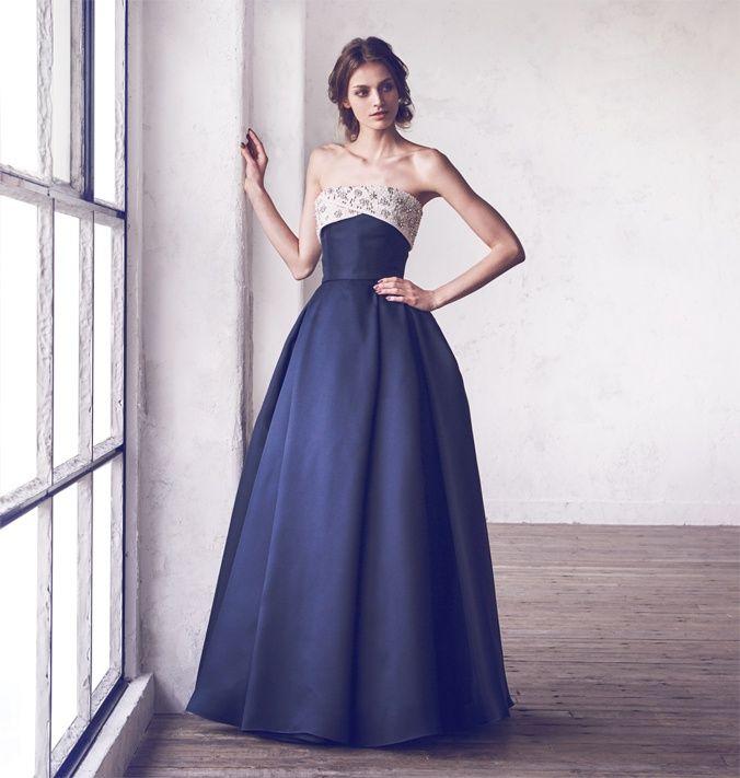 Hatsuko Endo weddings 公式サイト。世界中から選りすぐった最旬のドレスコレクションをはじめ、和装やメンズコレクションもご用意しております。ブライダルエステ、ブライダルヘア&メイクなど花嫁のためのトータルビューティーをコーディネートいたします。