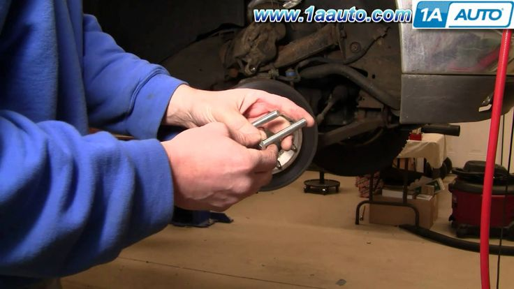nice How To Install Replace Front Brakes Chevy Silverado GMC Sierra 2500HD 00-07 1AAuto.com