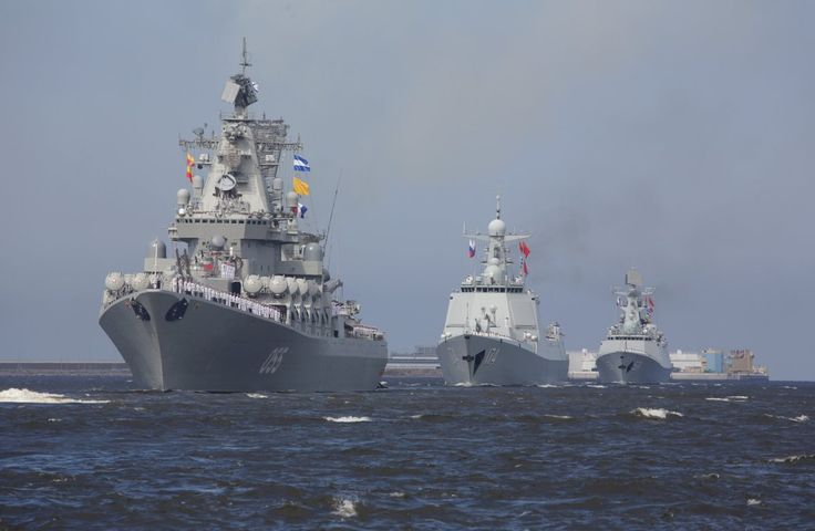 A Russian warship, followed by two Chinese ships — the guided-missile destroyer Hefei and frigate Yuncheng — are also seen below sailing towards St. Petersburg. China not only held their own parade on Sunday, but also sent two of their ships to the parade in St. Petersburg.
