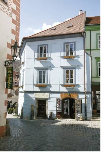 Hotel Leonardo (Soukenicka 33) Located in the centre of pretty Český Krumlov, this hotel is close to the central square and ten minutes from the impressive Krumlov Castle. #bestworldhotels #hotel #hotels #travel #cz #ceskykrumlov