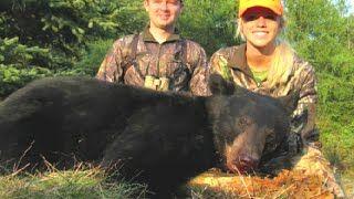 Смотреть онлайн видео Блондинка охотится на медведя. Охота в Новом свете 82.