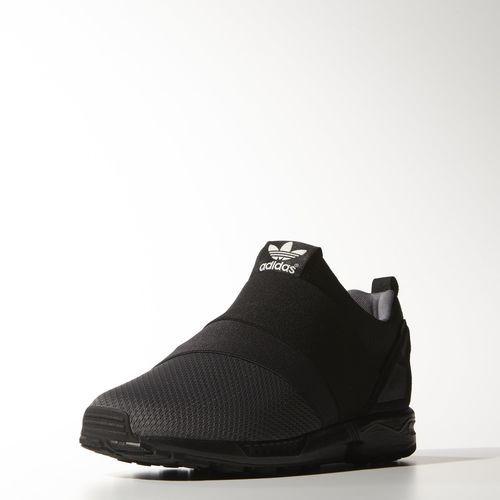 adidas - Chaussure ZX Flux Slip-On une alternative aux y-3 graces aux ''stripes'' en elastique et au noir typique (en + elles sont moins chères 85 euros pour les 320 euros des y-3 quasa