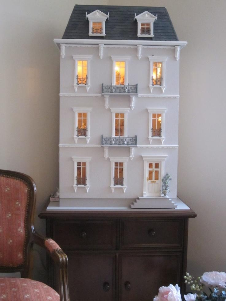 PATCH TO PATCH: Poppenhuis helemaal zelf gemaakt door Heleni