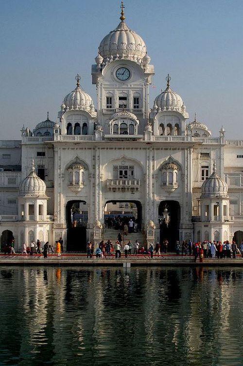 Sri Harmandir Sahib Clock Tower in Amritsar, India (by Manreet.D).