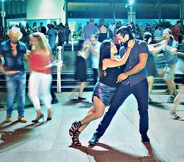 Learn how to dance Salsa, bachata, kizomba, semba and Afro fitness on the Gold Coast, Australia. Best way to connect, make new friends and have a lot of FUN! https://passada.com.au