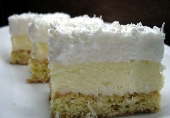"Prajitura ""Fulg de nea"" este un desert delicios. Reteta este usoara si completeaza perfect masa de sarbatori."