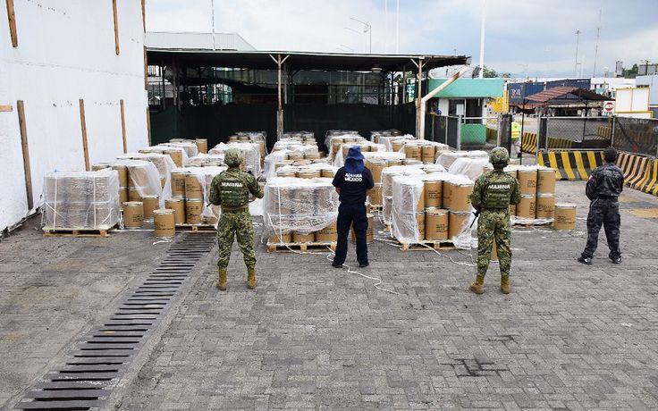 Personal de la Secretaría de Marina–Armada de México en coordinación con personal del Servicio de Administración Tributaria (SAT), aseguró un contenedor con aproximadamente 18,000 kilogramos de precursor químico (ácido fenilacético) ...