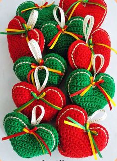 corazones tejidos para navidad