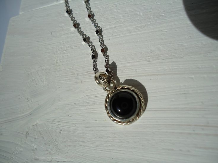 san valentino,idea regalo,nero,ciondolo minimal,collana lunga,regalo per lei,fatto a mano,essenziale,ciondolo essenziale,collana nero di Primordi su Etsy