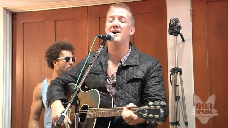 Queens Of The Stone Age - I Sat by the Ocean (Fox Uninvited Guest).Genialna płyta
