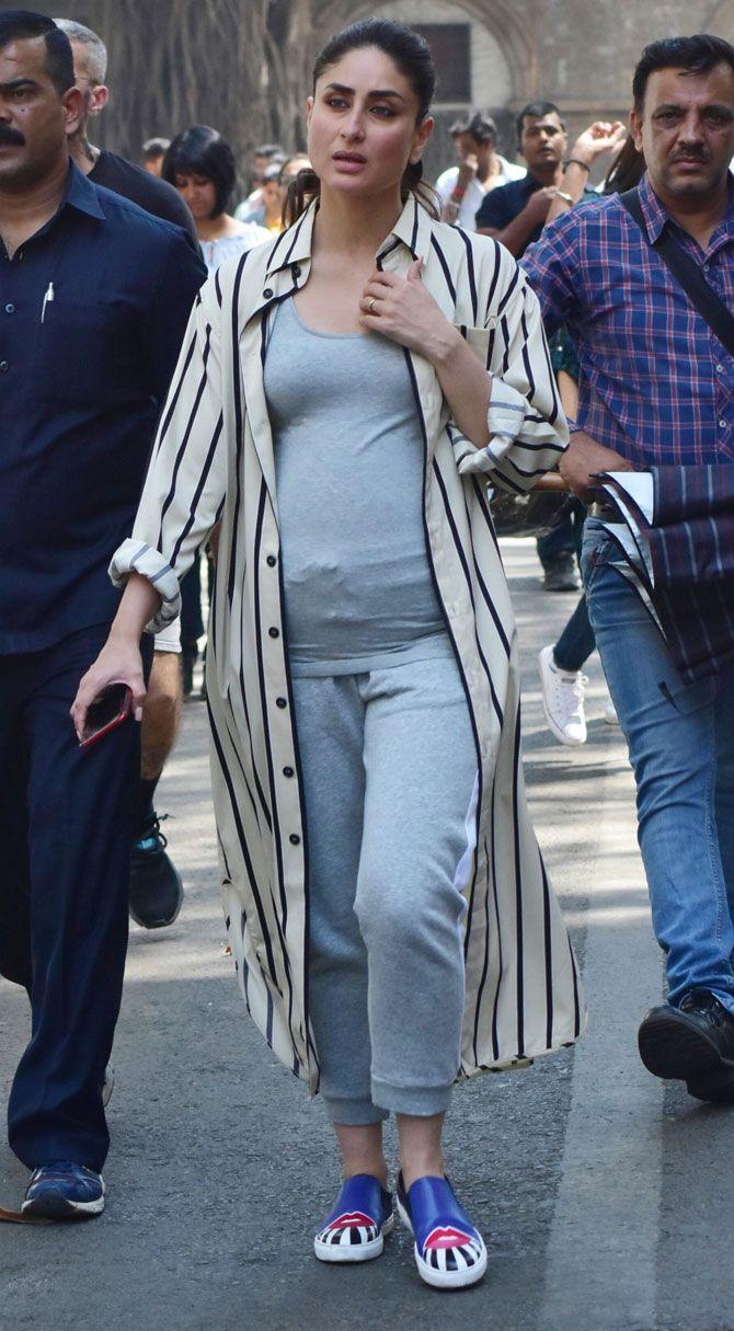 Good News Kareena Kapoor Khan Flaunts Her Baby Bump In These Pictures Kareena Kapoor Khan Kareena Kapoor Striped Shirt Dress