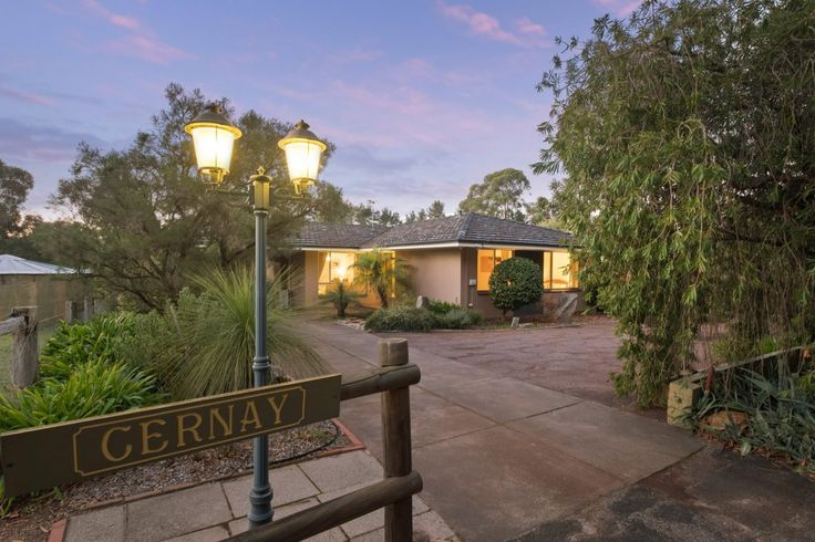 You'll go a long way to find a property as pretty as this!  #WesternAustralia #Mundaring #ForSale #HorseProperty #RealEstate