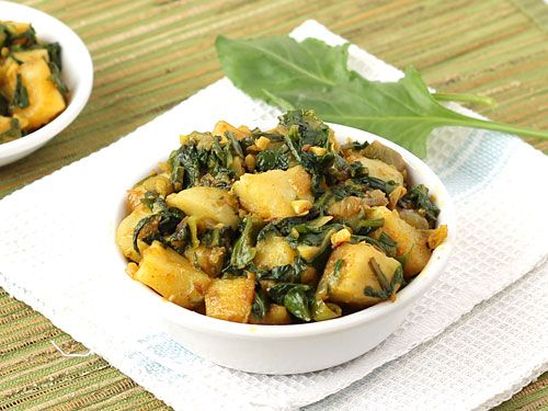 Spinach With Boiled Potato Cubes and Spices - Aloo Palak Curry (Dry)