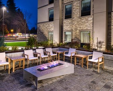Hampton Inn & Suites Olympia Lacey Hotel, WA - Fire Pit Patio