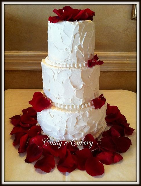 wedding cake with rose petals shields petals buttercream wedding cake 26958