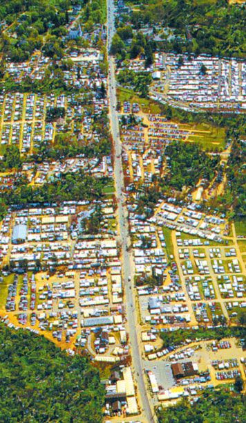 Brimfield Antique Show aerial view.   I have known about the Brimfield show for more than 20 years.  Martha Stewart had mentioned it many times in various media.  I went yesterday for the first time.  LOVED IT!  If you like shopping for cool stuff for your home, bargaining with dealers, and coming home exhausted but satisfied you've had a good day, go to Brimfield during one of the three shopping weeks.