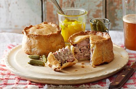 Celebrate St. George's Day with a proper pork pie, perfect for a special picnic or a summer lunch. See more delicious British recipes at Tesco Real Food.