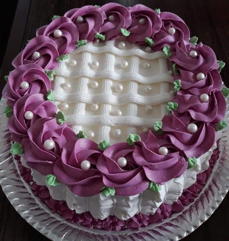 картинки тортов украшенных кремом такой