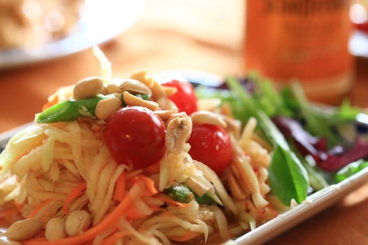 10月のレッスン#1 タイ東北料理 ソムタム (パパイヤサラダ)