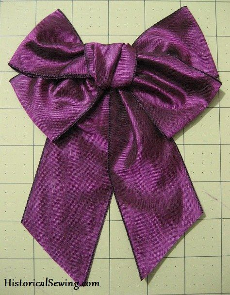 How to make ribbon bows for Victorian costumes | HistoricalSewing.com