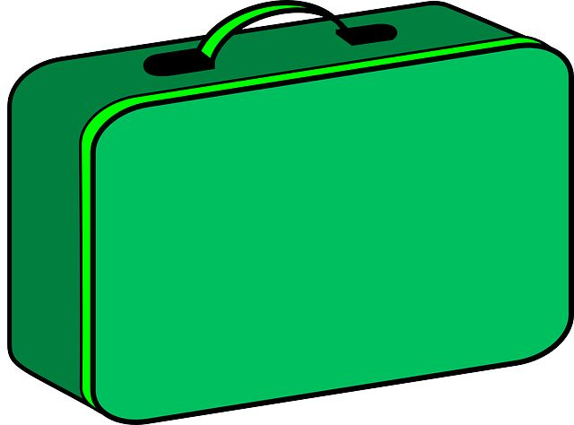 3 steps to rebalance your lunchbox.  Learn how to fall in love with the lunchbox again. I've narrowed it down to three easy steps, but you can't do this alone, it's got to be a team effort. You need to get your kids on side....   It's September, and the kids are going back to school. Parents are anxiously labeling uniform and buying last minute plimsolls, protractors and pencil cases....
