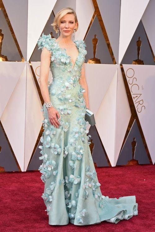 Cate Blanchett en robe Armani Privé et bijoux Tiffany & Co. à la cérémonie des Oscars 2016