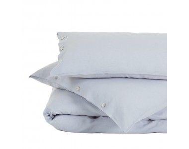 Unsere Leinen-Bettwäsche Bellvis ist in den Größen 135x200, 155x220, 200x200, 200x220 und 220x240 cm erhältlich. Verfügbar in Grau, Weiß, Blau, Natur