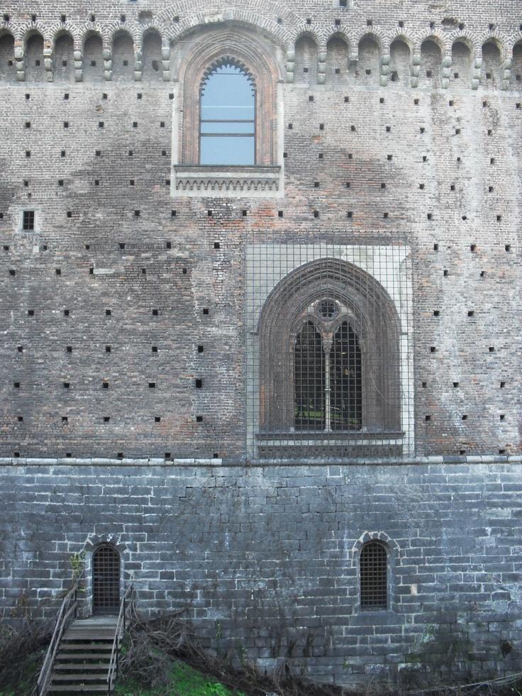 Palazzo Sforza (windows), Milano
