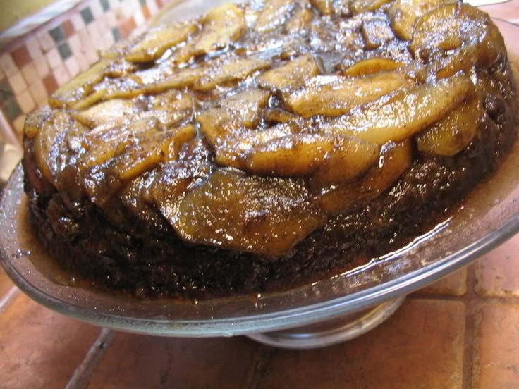 Apple-Pear Skillet Upside-Down Ginger Spice Cake