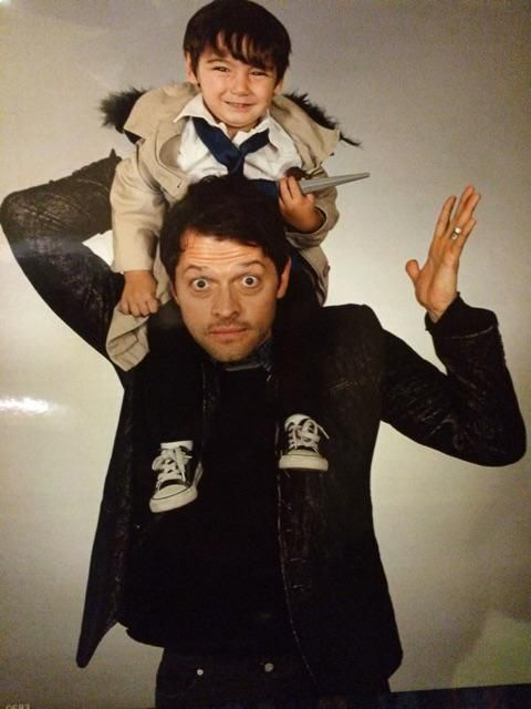 Misha Collins ‏@mishacollins   The world's tiniest cosplayer is apparently not terribly excited to meet the original Cas. pic.twitter.com/AZ29jt4LMw