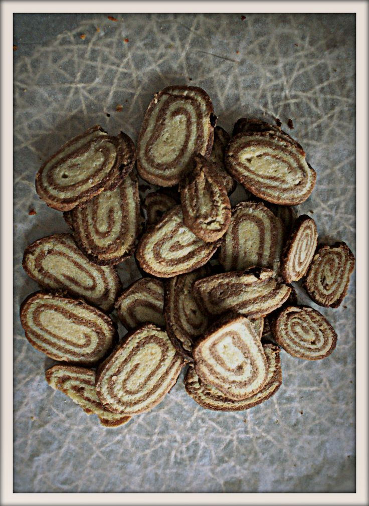 chocolate cookies with vanilla.