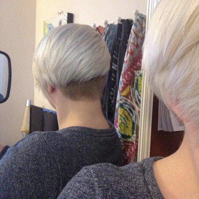 Weiß, Silber, hellblond, platinblond, Grau …., 17 der angesagtesten hellfarbigen Kurzhaarfrisuren