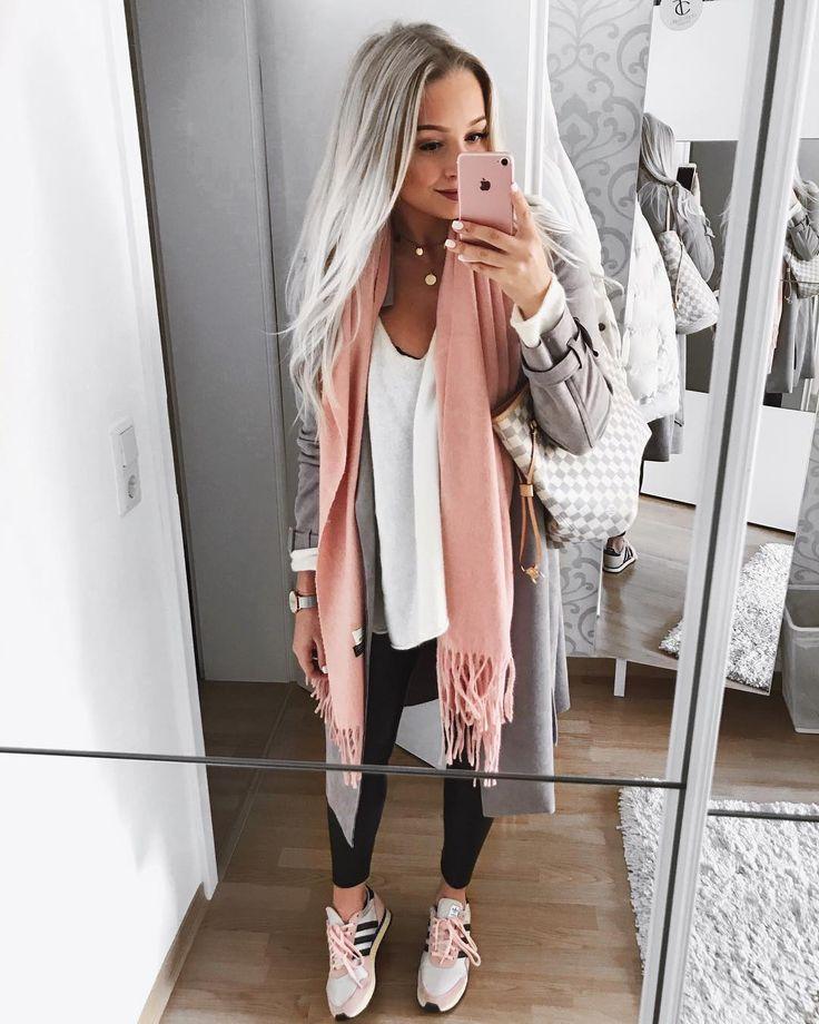 12.5K vind-ik-leuks, 234 reacties – ⠀ Sabina (Sabina Sabsarab.m) on Instagram: 'Finally, there is enough daylight again … #ootd coat + leather …
