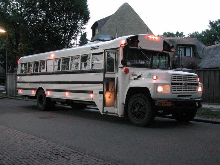 Klassiek vervoer voor o.a. Bruiloften, Vrijgezellen Feesten, Gala's en Familie uitjes