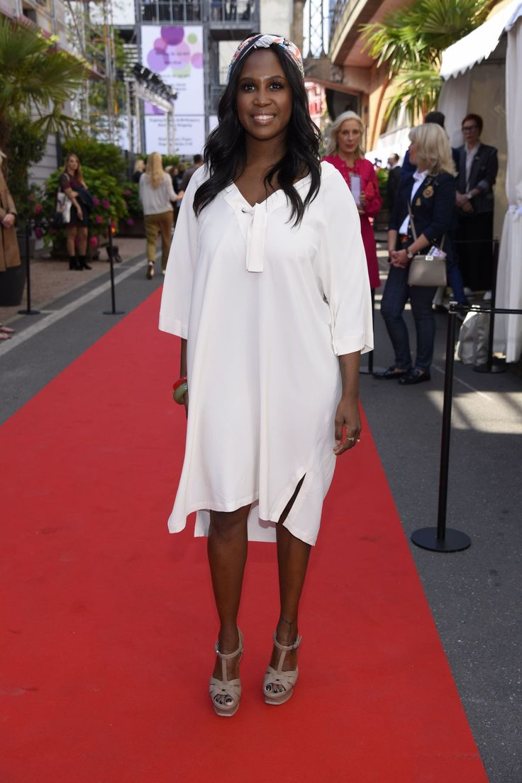#Berlin, #Fashion Motsi Mabuse at Riani Show – Mercedes Benz Fashion Week Berlin 07/04/2017 | Celebrity Uncensored! Read more: http://celxxx.com/2017/07/motsi-mabuse-at-riani-show-mercedes-benz-fashion-week-berlin-07042017/