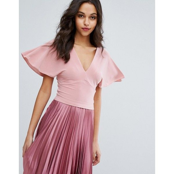 Miss Selfridge Batwing Top (39 PAB) ❤ liked on Polyvore featuring tops, beige, batwing tops, v neck crop top, woven top, beige crop top and batwing sleeve tops