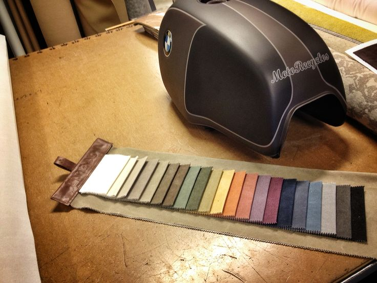 Choosing Seat colours for #Motorecyclos Boxer Moka